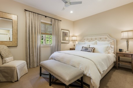 Welcome To Seal Cove Inn - Master Bedroom