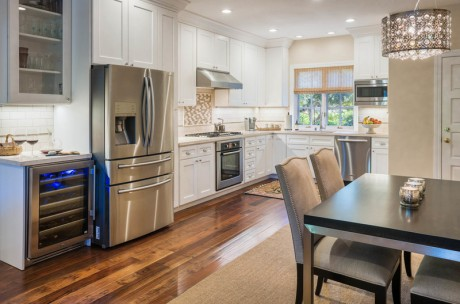 Welcome To Seal Cove Inn - Master Suite Gourmet Kitchen