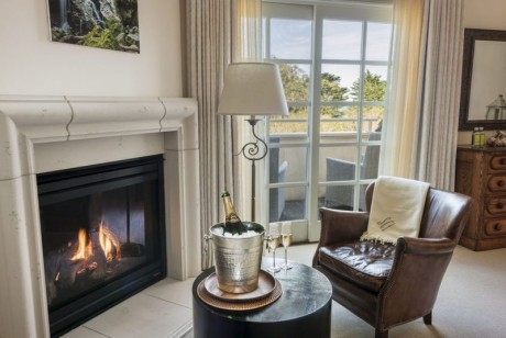 Welcome To Seal Cove Inn - Deluxe Balcony Suite